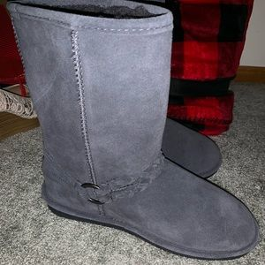 PRICE DROP! Bear paw gray boots